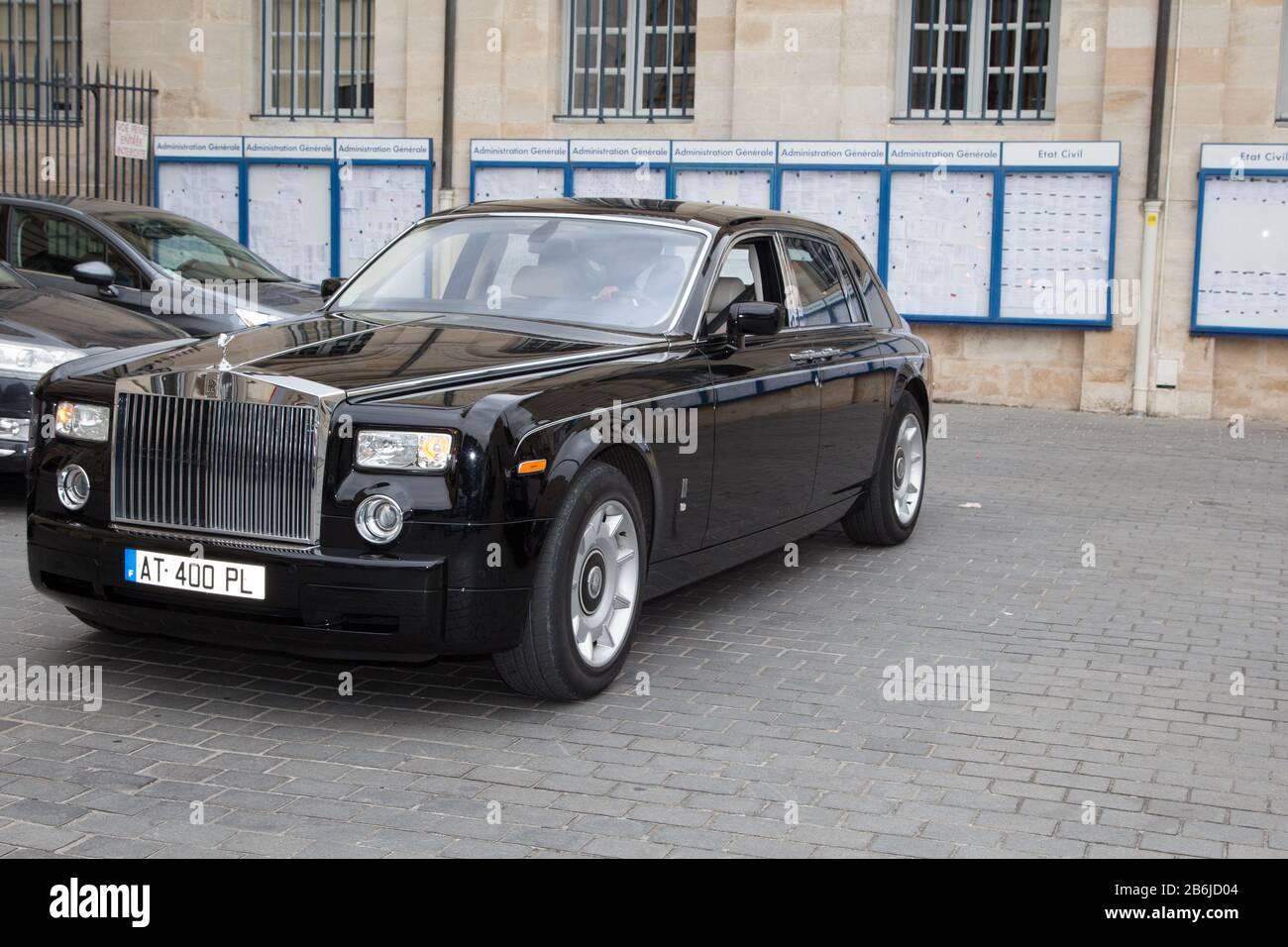 Bordeaux Aquitaine France 11 07 2019 Rolls Royce Phantom Black Luxury Car Parked In Street Stock Photo Alamy