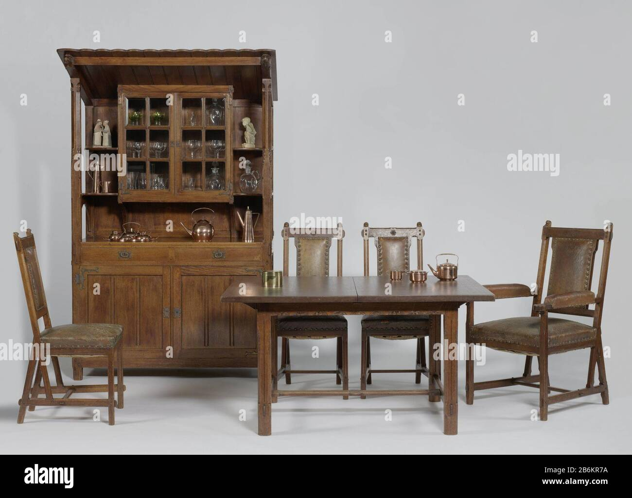 Egg Chair Bruin Leer.Table Met Stock Photos Table Met Stock Images Page 3 Alamy