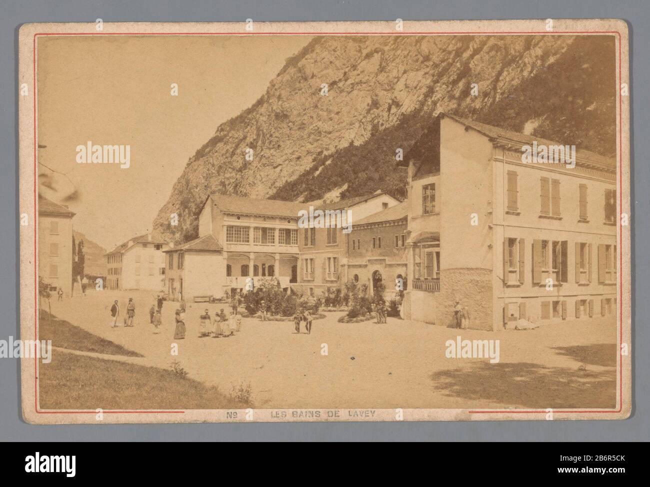 Gezicht Op Een Kuuroord In Lavey Les Bains Les Bains De Lavey