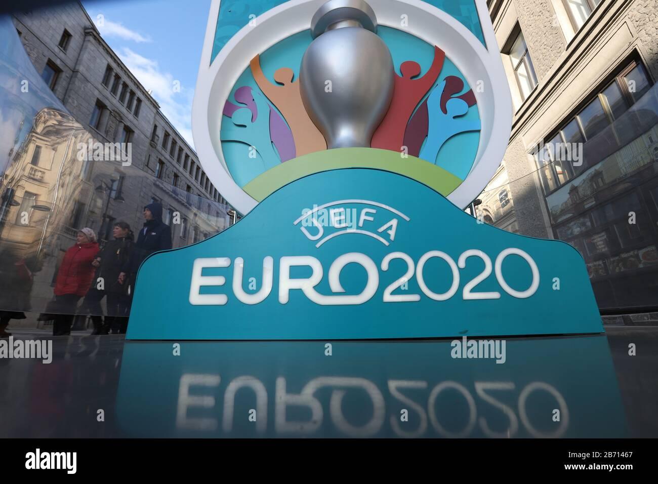 logo of uefa euro 2020 at a countdown clock to the tournament stock photo alamy https www alamy com logo of uefa euro 2020 at a countdown clock to the tournament image348535215 html