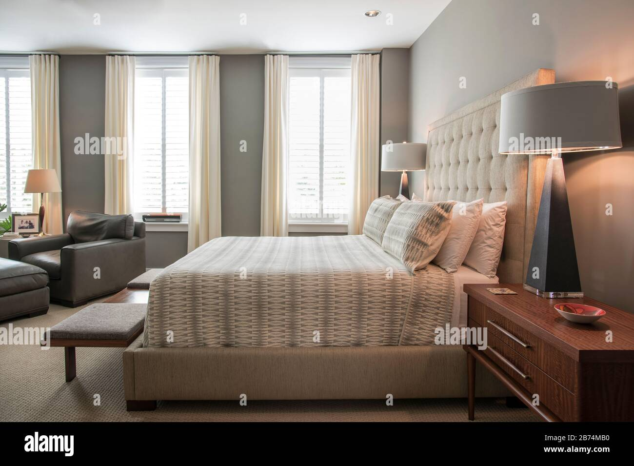 Mid Century Modern Bedroom Stock Photo Alamy