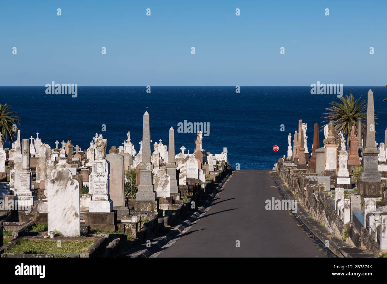 The Waverley Cemetry is a heritage-listed cemetry on top of the cliffs at Bronte in the eastern suburbs of Sydney, NSW, Australia. The coastal walk wa Stock Photo