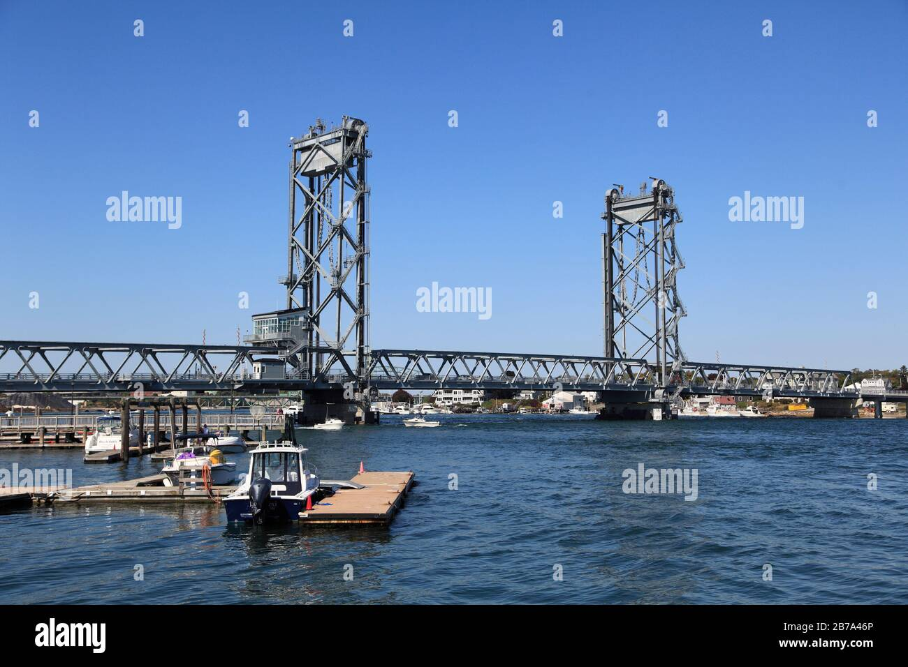 Memorial Bridge Connecting Portsmouth, New Hampshire to Kittery, Maine, Piscataqua River, New England, USA, North America Stock Photo