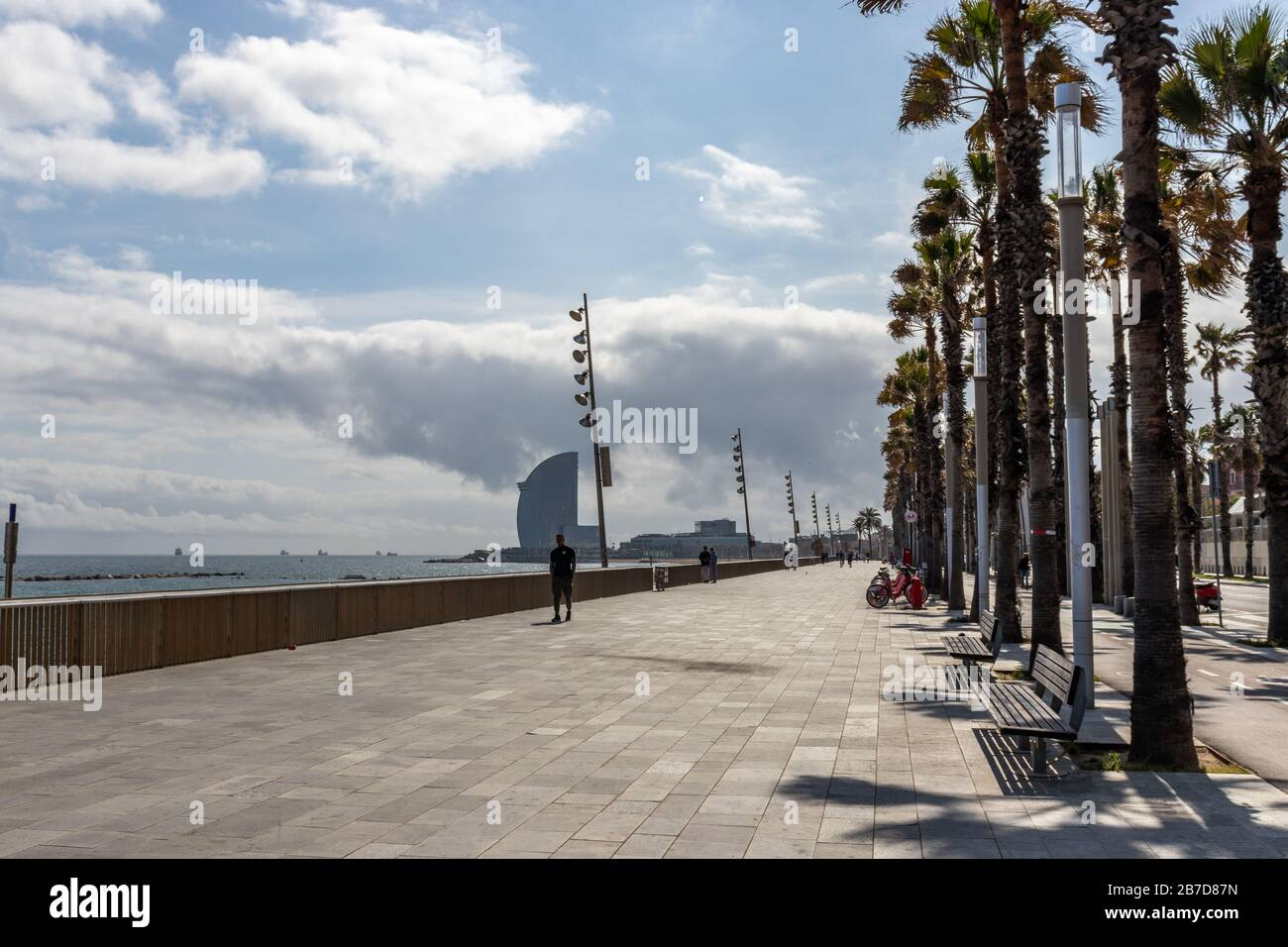 Barcelona Spain 15th March 2020 Empty Beach Of Barcelona After Spanish Government Decided To Confine The Whole Country To Reduce Coronavirus Infections Credit Dino Geromella Alamy Live News Stock Photo Alamy