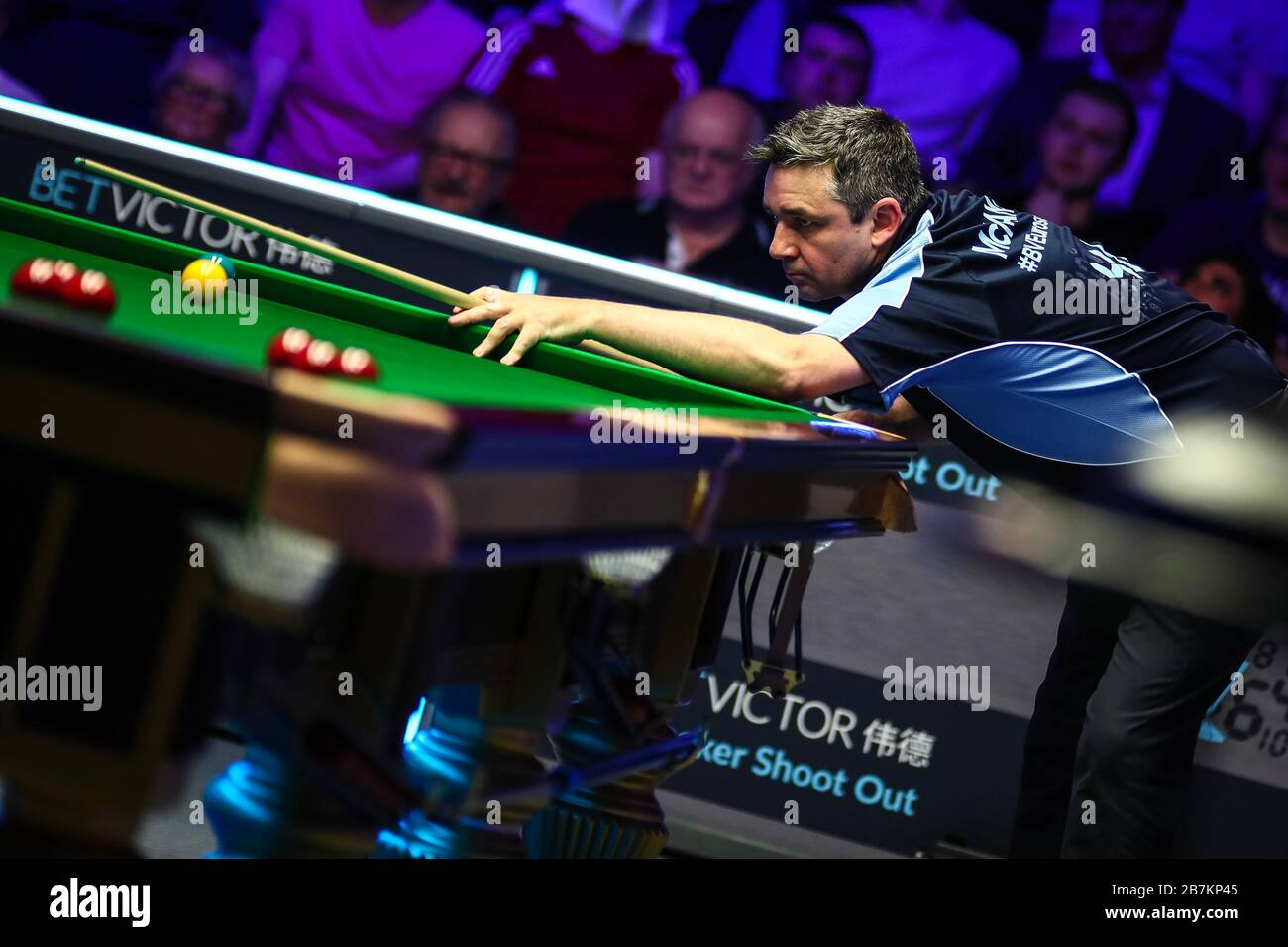 Alan McManus of Scotland plays a shot to Ronald Antonio O'Sullivan ...