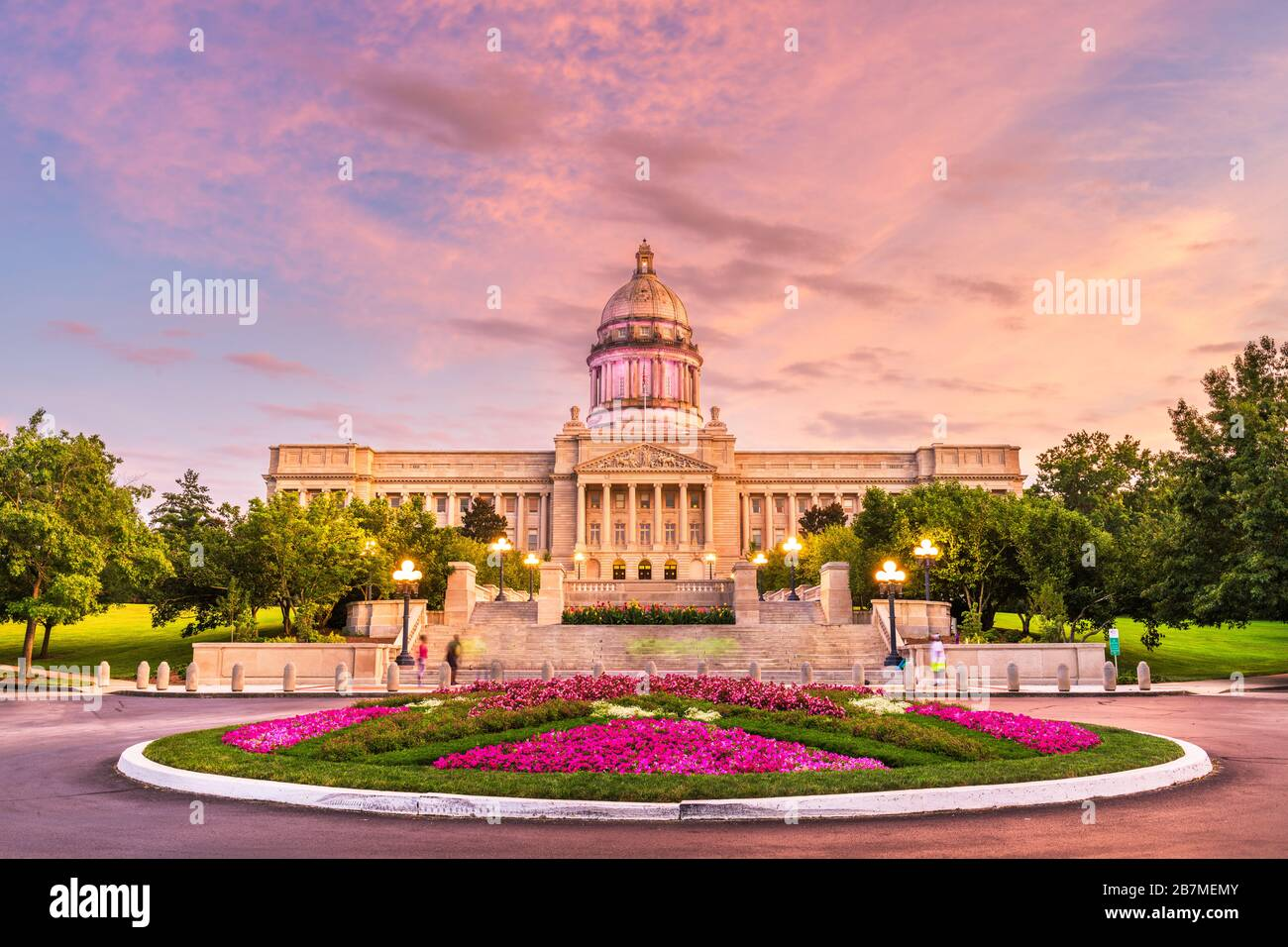 Frankfort, Kentucky, USA with the Kentucky State Capitol at dusk. Stock Photo