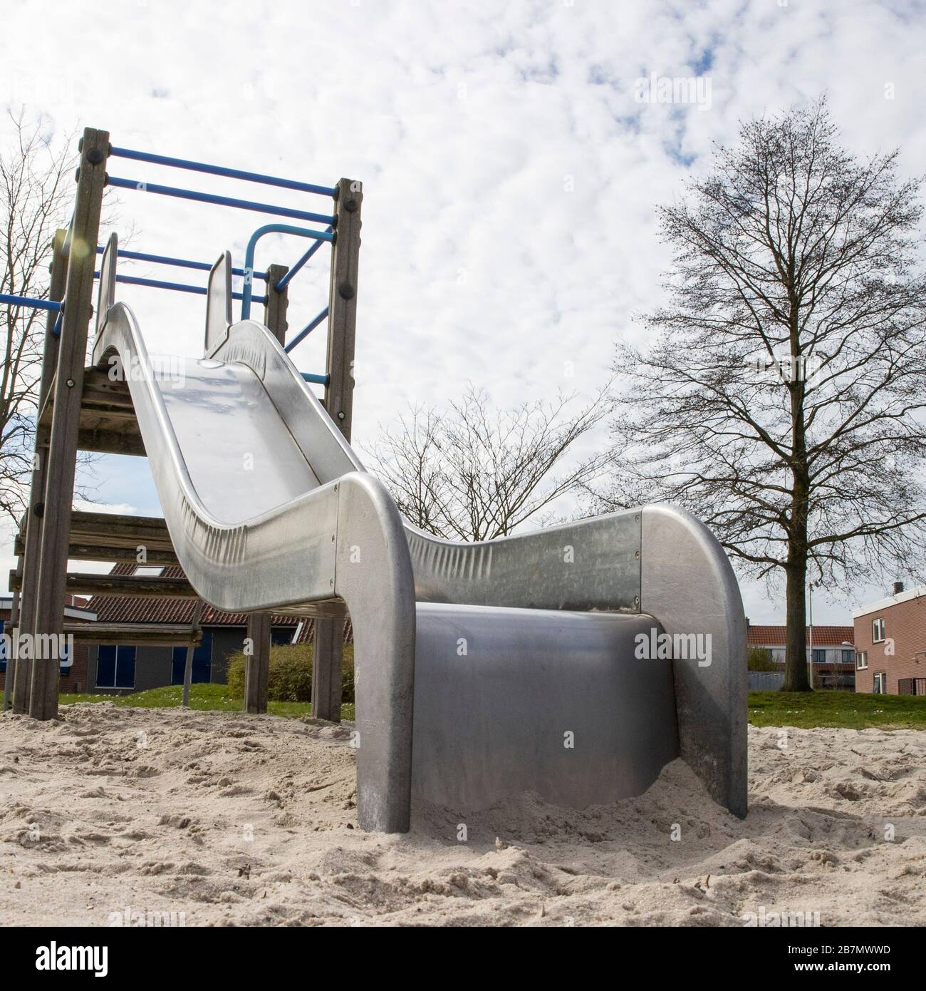 7almelo 12 03 2020 Netherlands Dutchnews Corona Virus Situations Abandoned Playground For Kids Stock Photo Alamy