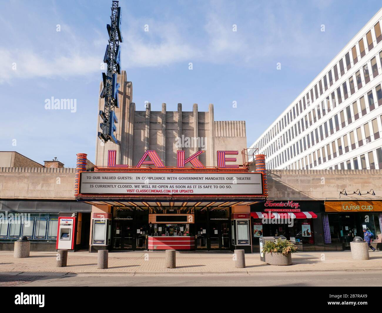 Oak Park, Illinois, USA,. 17th March 2020. The Lake Theater in
