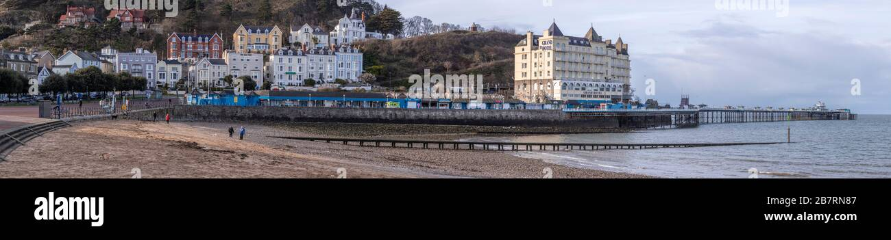 Llandudno North Shore promenade and pier, North Wales coast Stock Photo