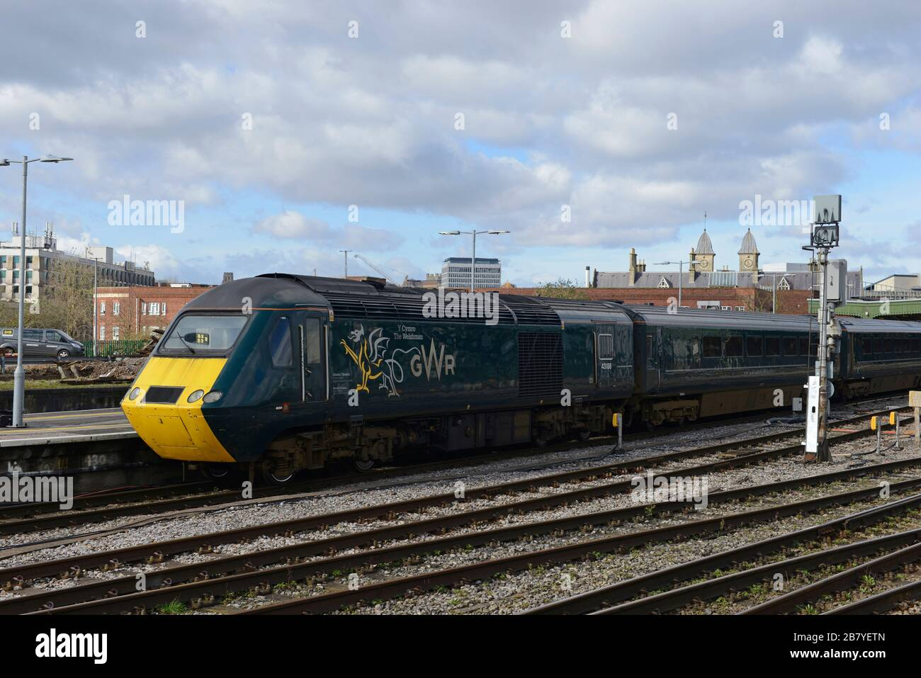 "A repurposed HST 125 train named for ""The Welshman"", Geraint Thomas, on a local service to Taunton at Bristol Temple Meads station, UK Stock Photo"