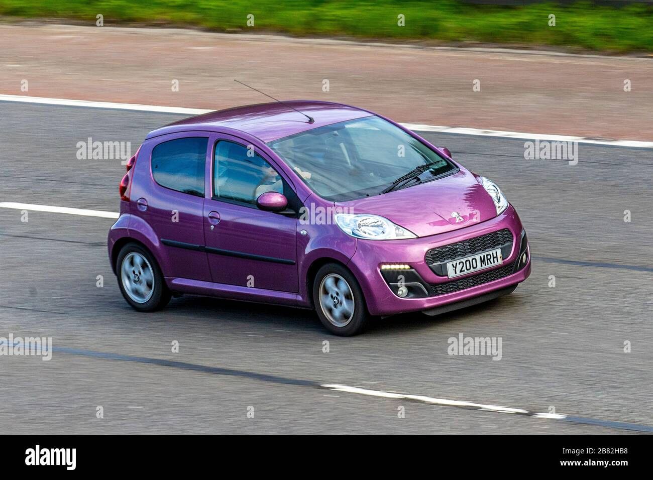 Page 2 Purple Car High Resolution Stock Photography And Images Alamy