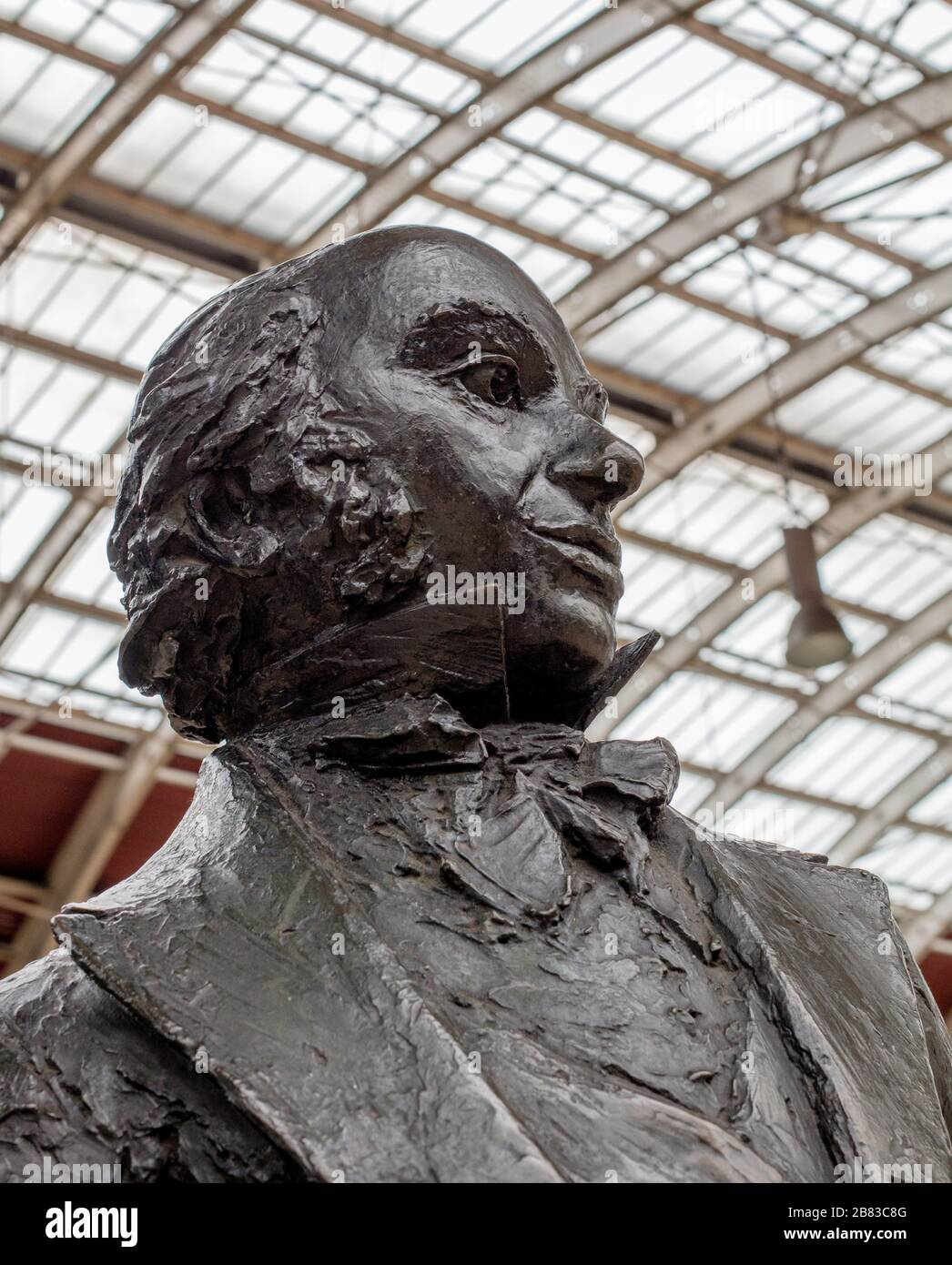 Statue of Isambard Kingdom Brunel by John Doubleday on Paddington Station, a railway terminus and London Underground complex in Paddington, London Stock Photo