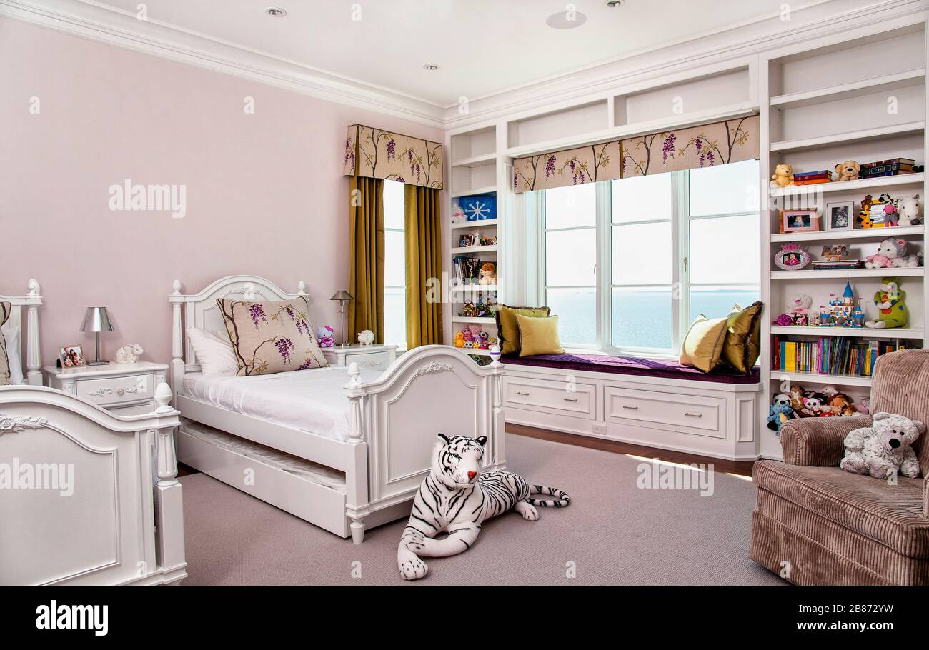 Twin Girls Bedroom High Resolution Stock Photography And Images Alamy