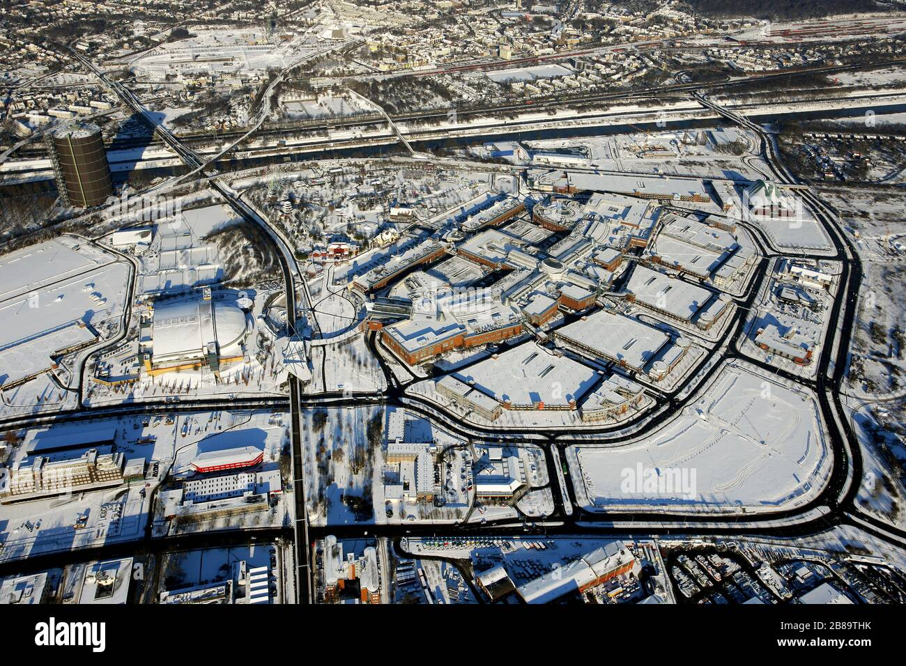 , shopping centre CentrO in Oberhausen with Gasometer Oberhausenin winter, 06.01.2009, aerial view, Germany, North Rhine-Westphalia, Ruhr Area, Oberhausen Stock Photo