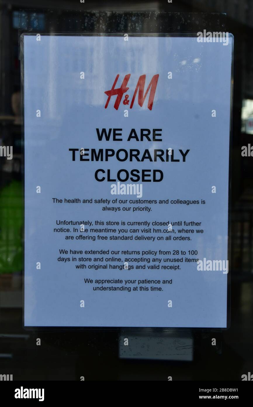London, UK. 21st March 2020. UK PM Boris Johnson announces closure of pub, bars and restaurants to fight Coronavirus - Pandemic hit Oxford Street many shops closure a few open but empty on 21 March 2020, UK. Credit: Picture Capital/Alamy Live News Credit: Picture Capital/Alamy Live News Stock Photo