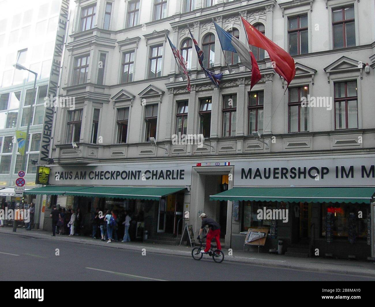 The Original Checkpoint Charlie High Resolution Stock Photography And Images Alamy