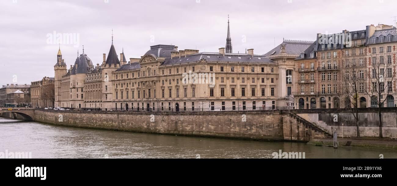 Paris, view of the Seine with the Conciergerie on the ile de la Cité Stock Photo