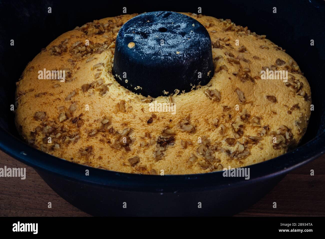 Tube Cake