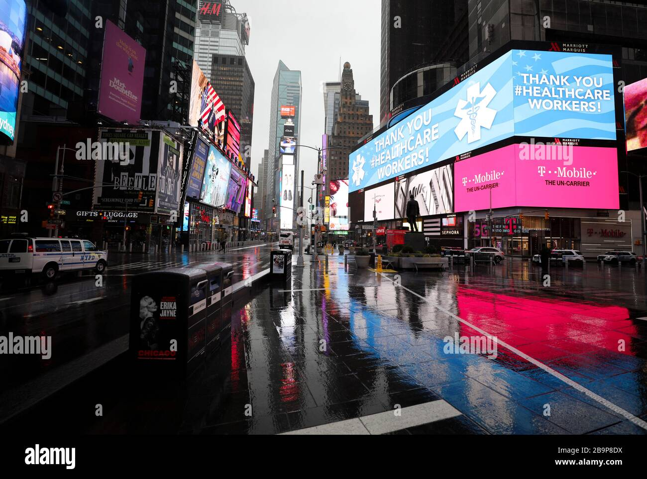 (200325) -- BEIJING, March 25, 2020 (Xinhua) -- Photo taken on March 23, 2020 shows the empty Times Square in New York, the United States. The number of confirmed COVID-19 cases in New York City has reached 13,119 as of Monday night local time, according to data of the Center for Systems Science and Engineering (CSSE) at Johns Hopkins University. A total of 124 deaths have been reported in the city, according to the CSSE. The largest U.S. city with a population of 8.6 million has become a new epicenter of the outbreak, taking about 30 percent of the nation's tally of 43,901. (Xinhua/Wan Stock Photo
