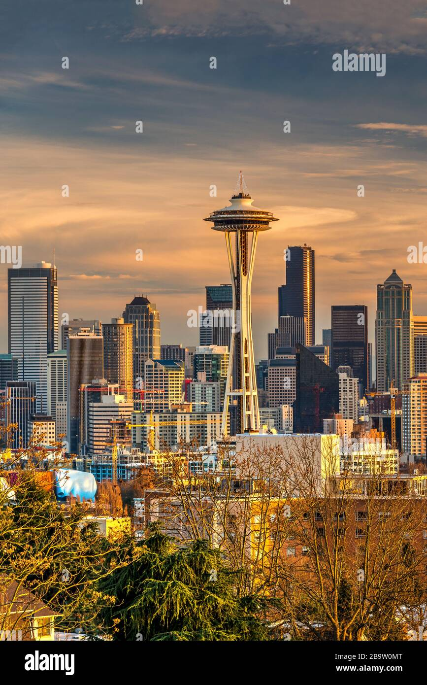 Downtown skyline with Space Needle at sunset, Seattle, Washington, USA Stock Photo