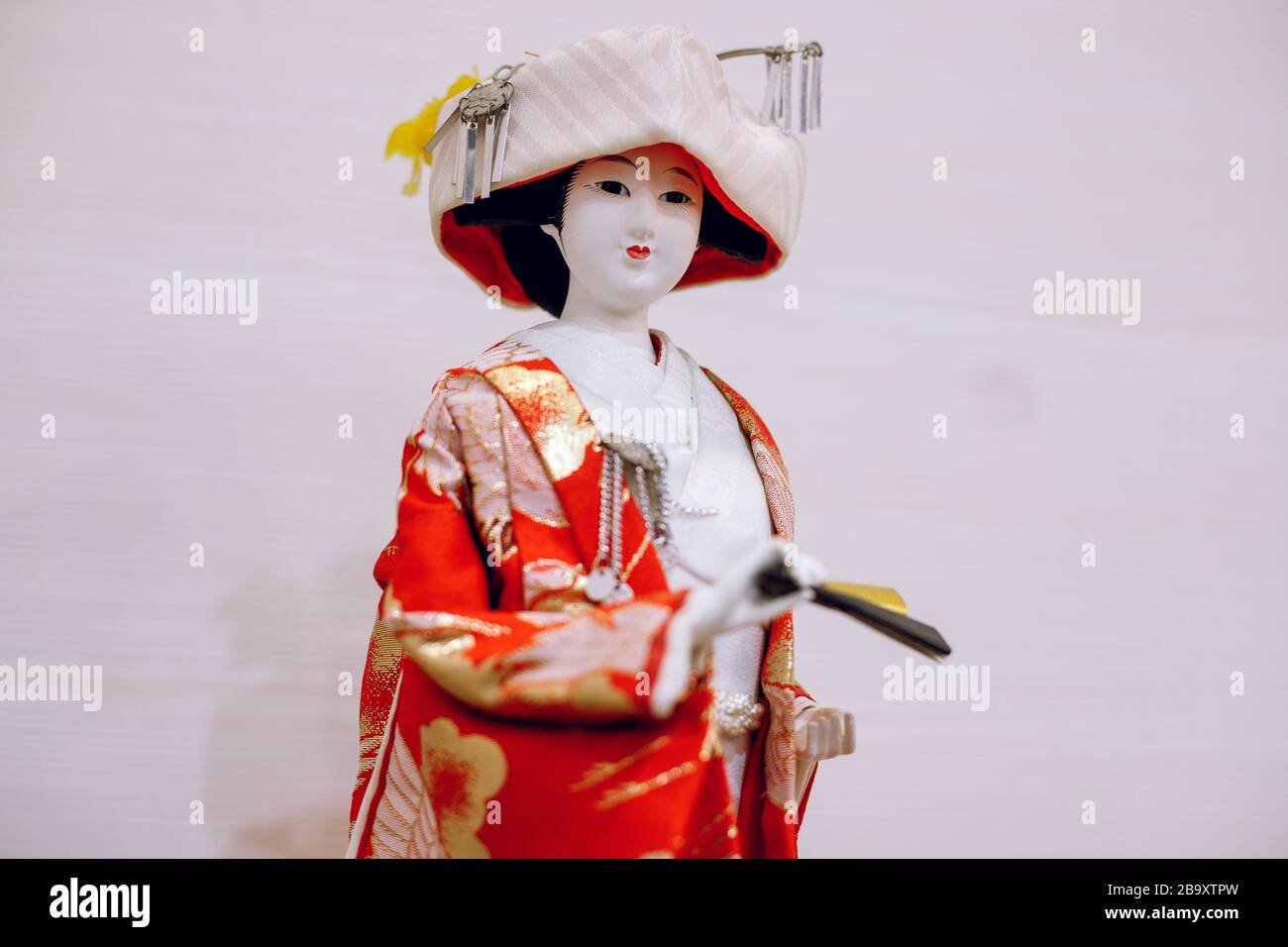 "Maiko Kimono 10 /"" Figure Red Japanese Hat Geisha Doll From Japan Cherry Blossoms"