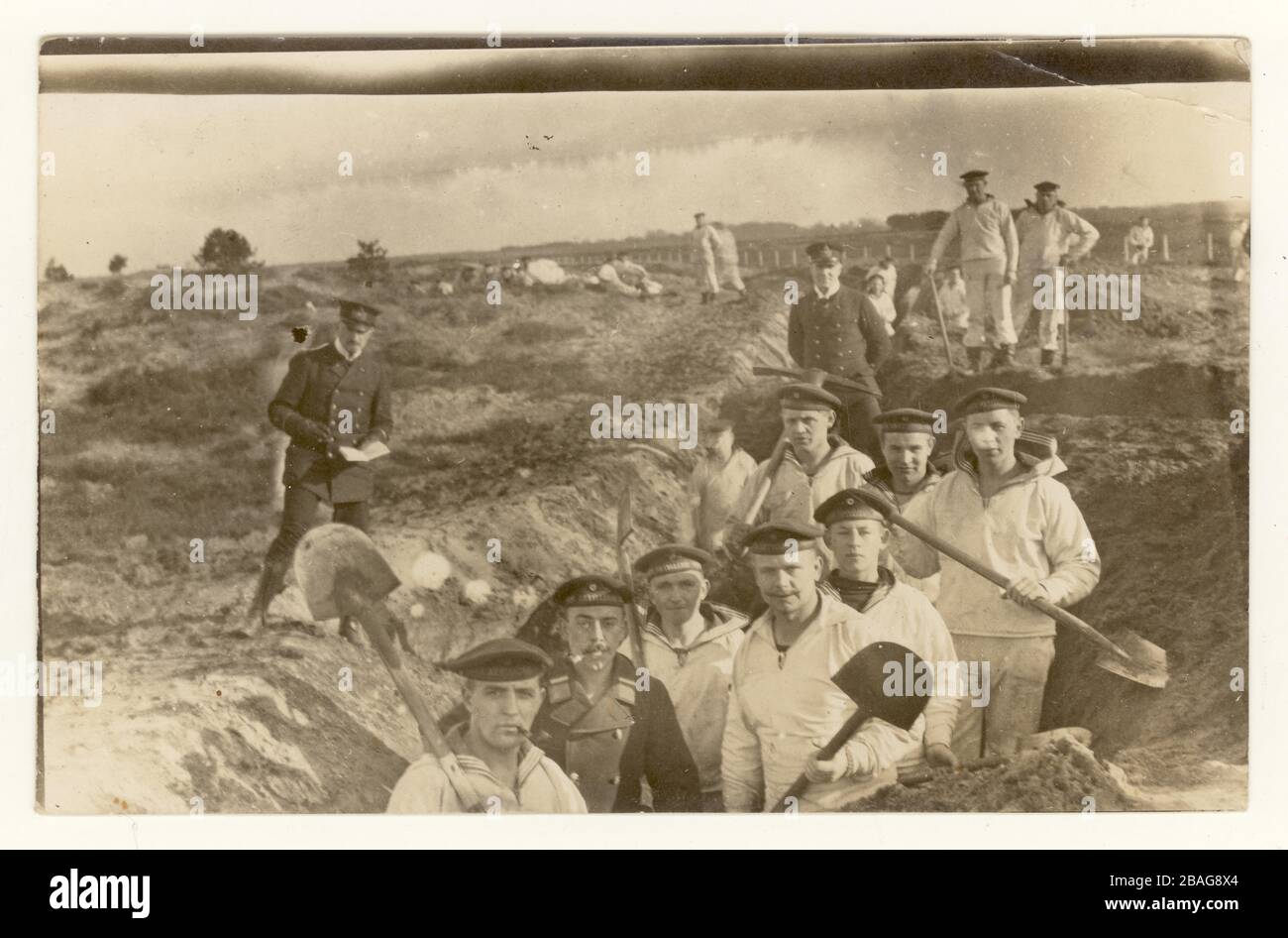 German WW1 era postcard of Prussian marines with spades digging trenches, 31st March 1915 sent to a family in Kasten, Bavaria, Germany. Stock Photo