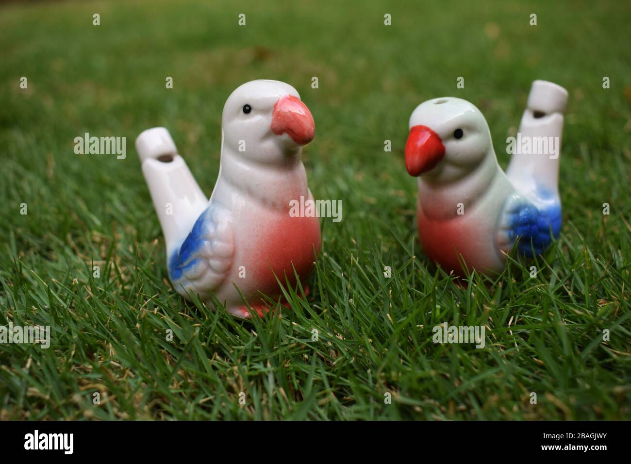 1x Ceramic hand-painted musical whistle water birds whistle BS