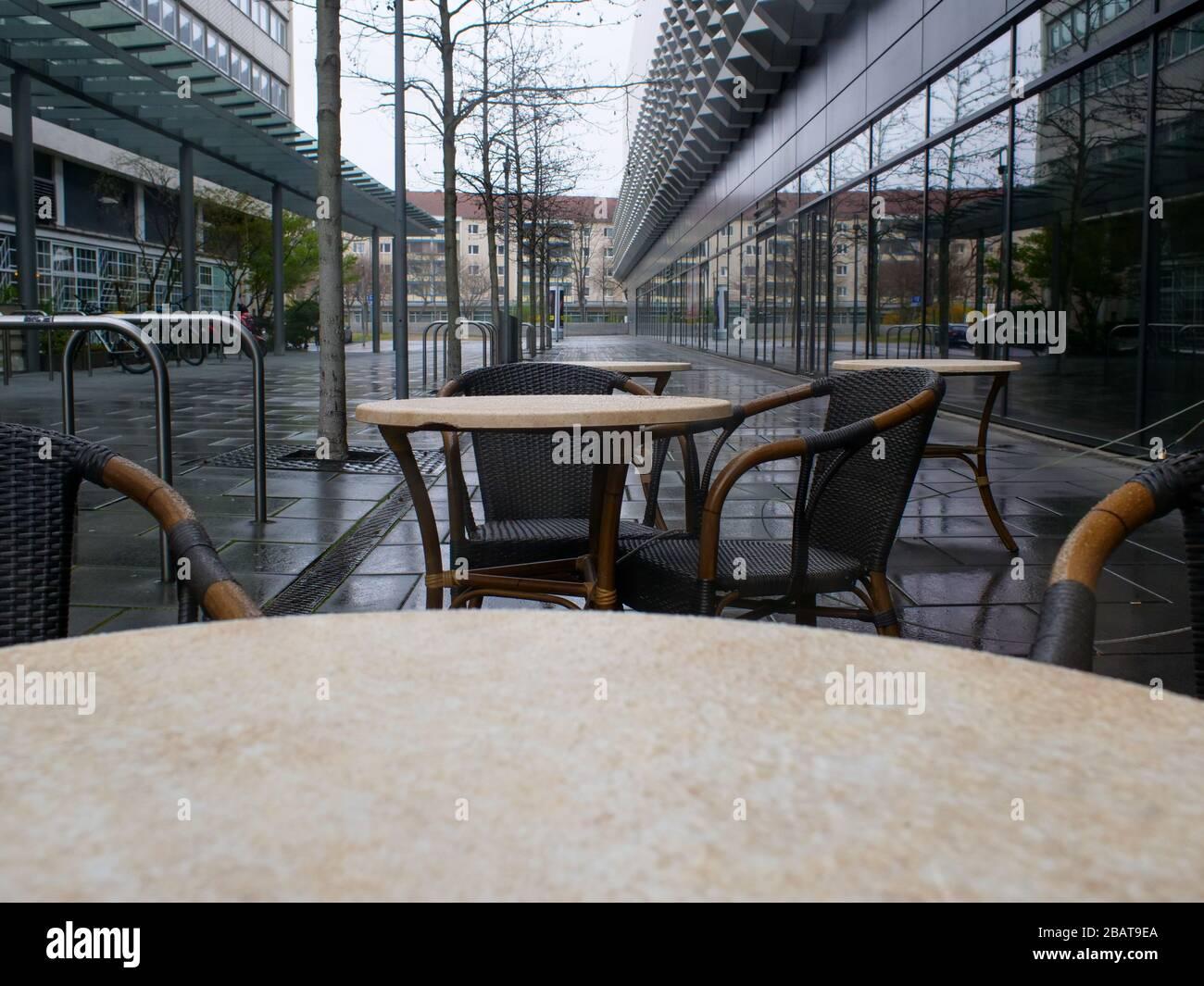 Leere Stühle und Tische Dresden Corona Virus Gastronomie Stock Photo