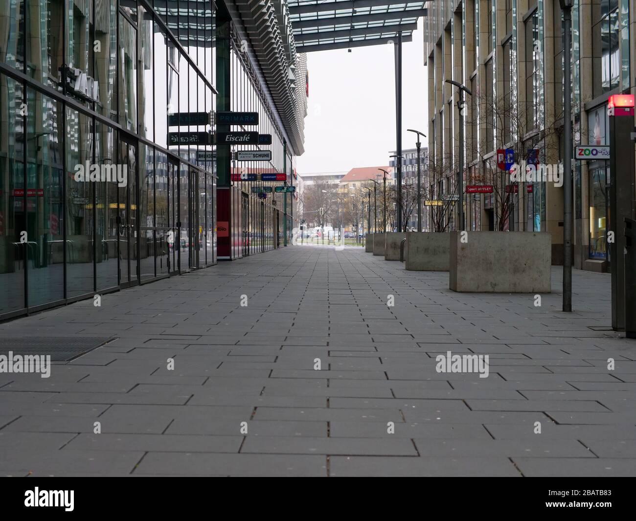Dresden Centrum Galerie Prager Straße Einkaufszentrum Stock Photo