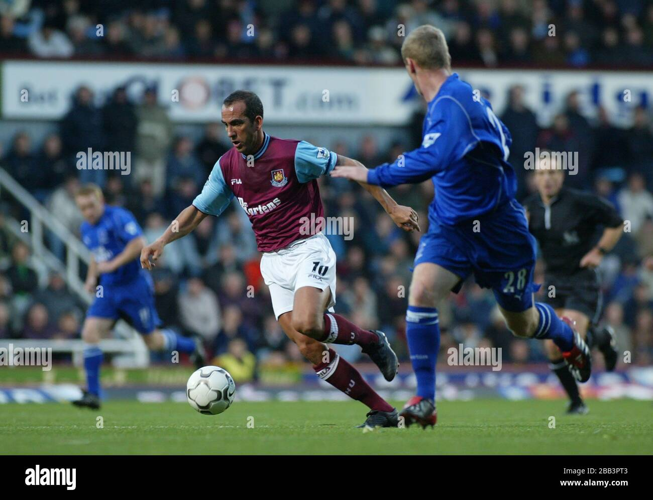 LONDON, United Kingdom, OCTOBER 27 Paolo Di Canio of West Ham United in  action during Barclaycard Premiership between West Ham United and Everton  at Stock Photo - Alamy