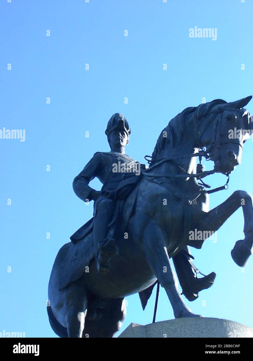 """""""English: Statue of John Hope, 1st Marquess of Linlithgow (Lord Linlithgow, Marquess Linlithgow) in Kings Domain, Melbourne.; Photo: October 19, 2004Statue:created 1908,[1] unveiled June 15, 1911.[2]; Own photo by User:Adam Carr; transferred from the English Wikipedia; User:Adam Carr; """" Stock Photo"""