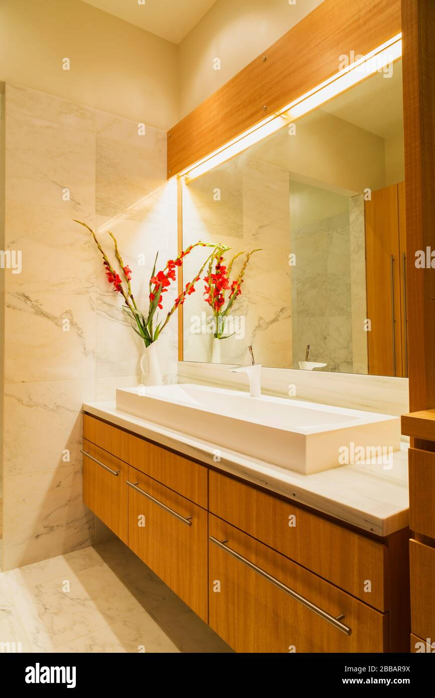 White Marble Sink High Resolution Stock Photography And Images Alamy