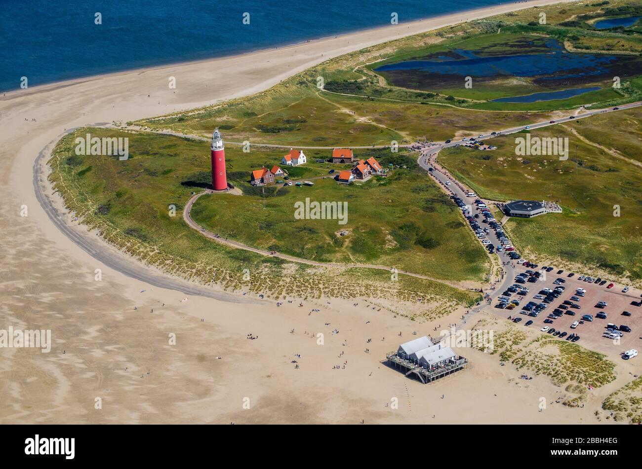 Luftbild von Texel und dem dortigen Leuchtturm im Sonnenschein Stock Photo