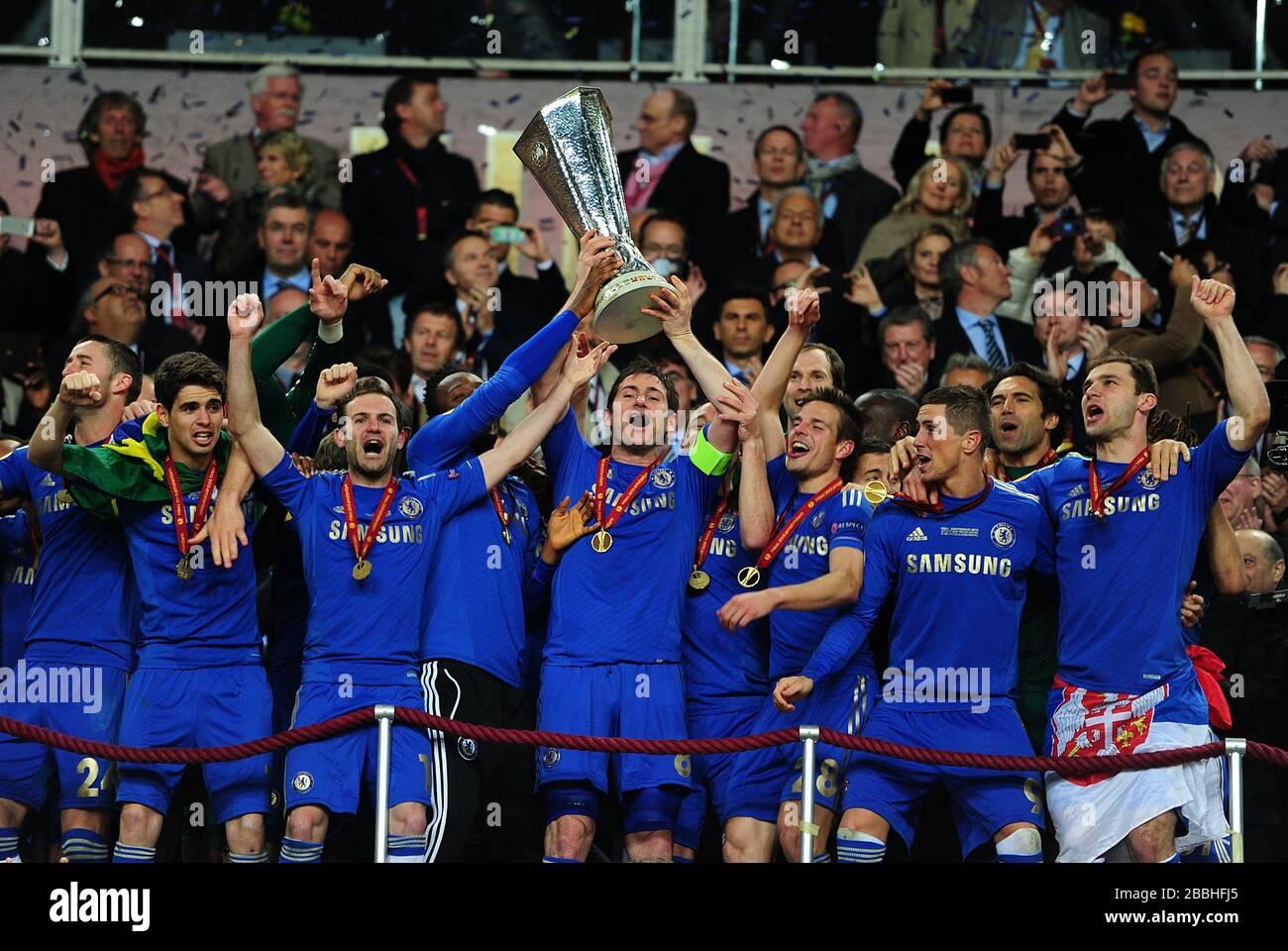 chelsea s frank lampard lifts the uefa europa league trophy stock photo alamy https www alamy com chelseas frank lampard lifts the uefa europa league trophy image351354029 html
