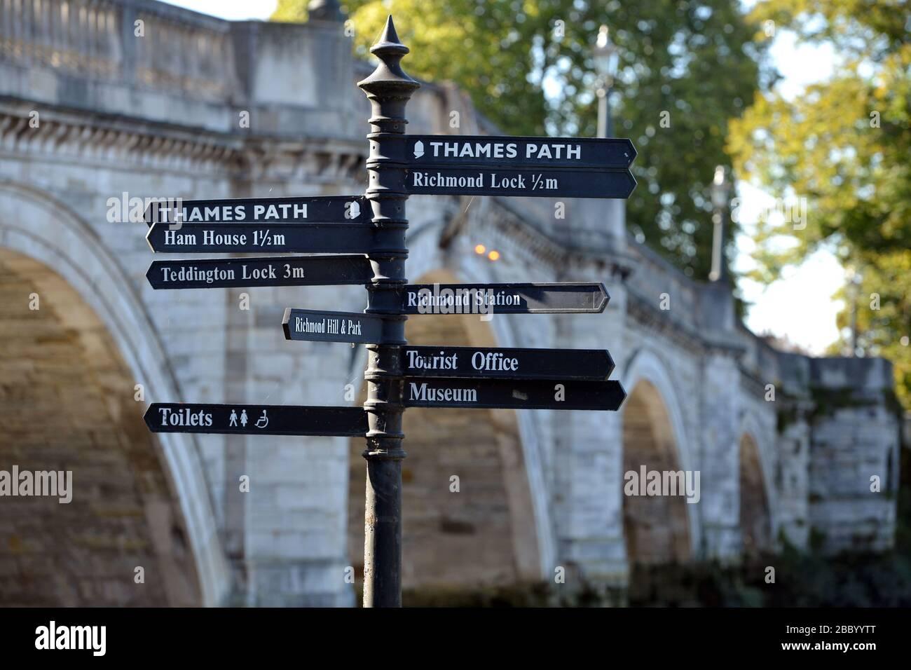 Thames Path signpost, Richmond Riverside, Richmond, London, UK Stock Photo
