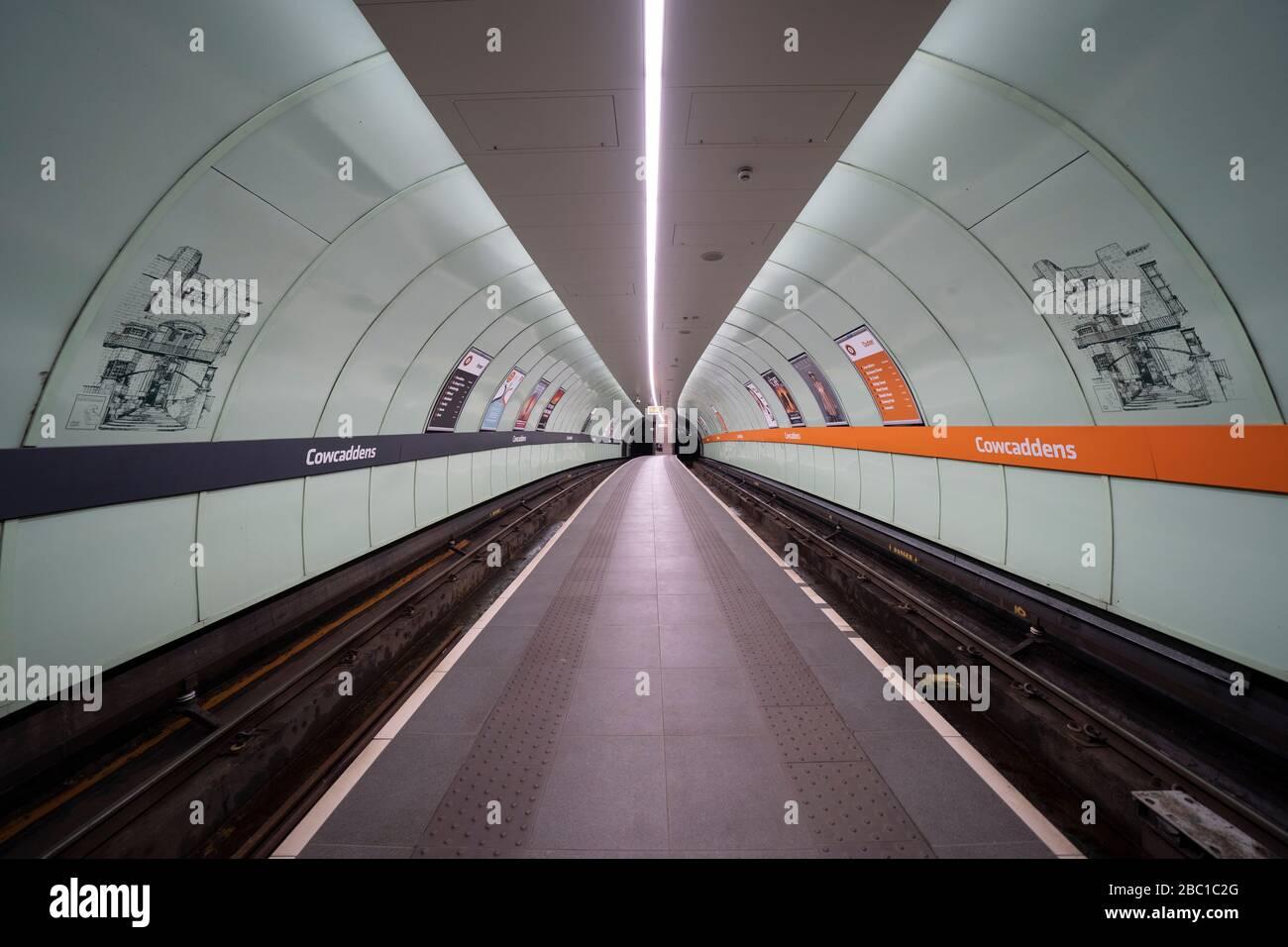 Glasgow, Scotland, UK. 1 April, 2020. Effects of Coronavirus lockdown on Glasgow life, Scotland. Empty platform on the Glasgow Subway. Stock Photo