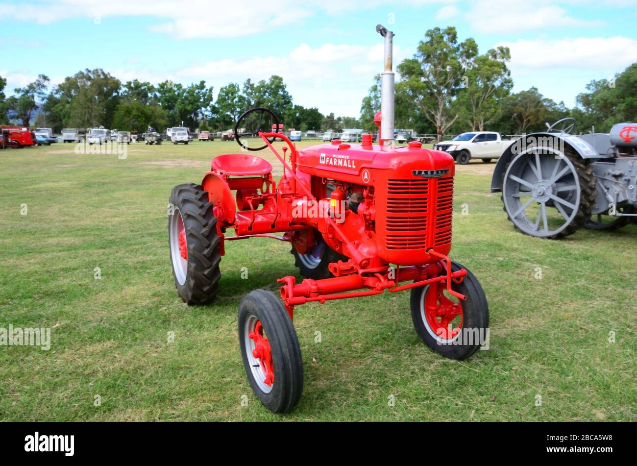 1940 International Harvesters New Metal Sign Farmall Models M H B /& A Pictured