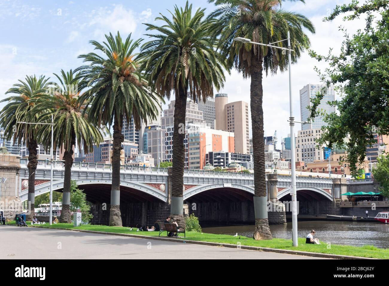 Central Business District (CBD) and Princes Bridge across Yarra River, City Central, Melbourne, Victoria, Australia Stock Photo