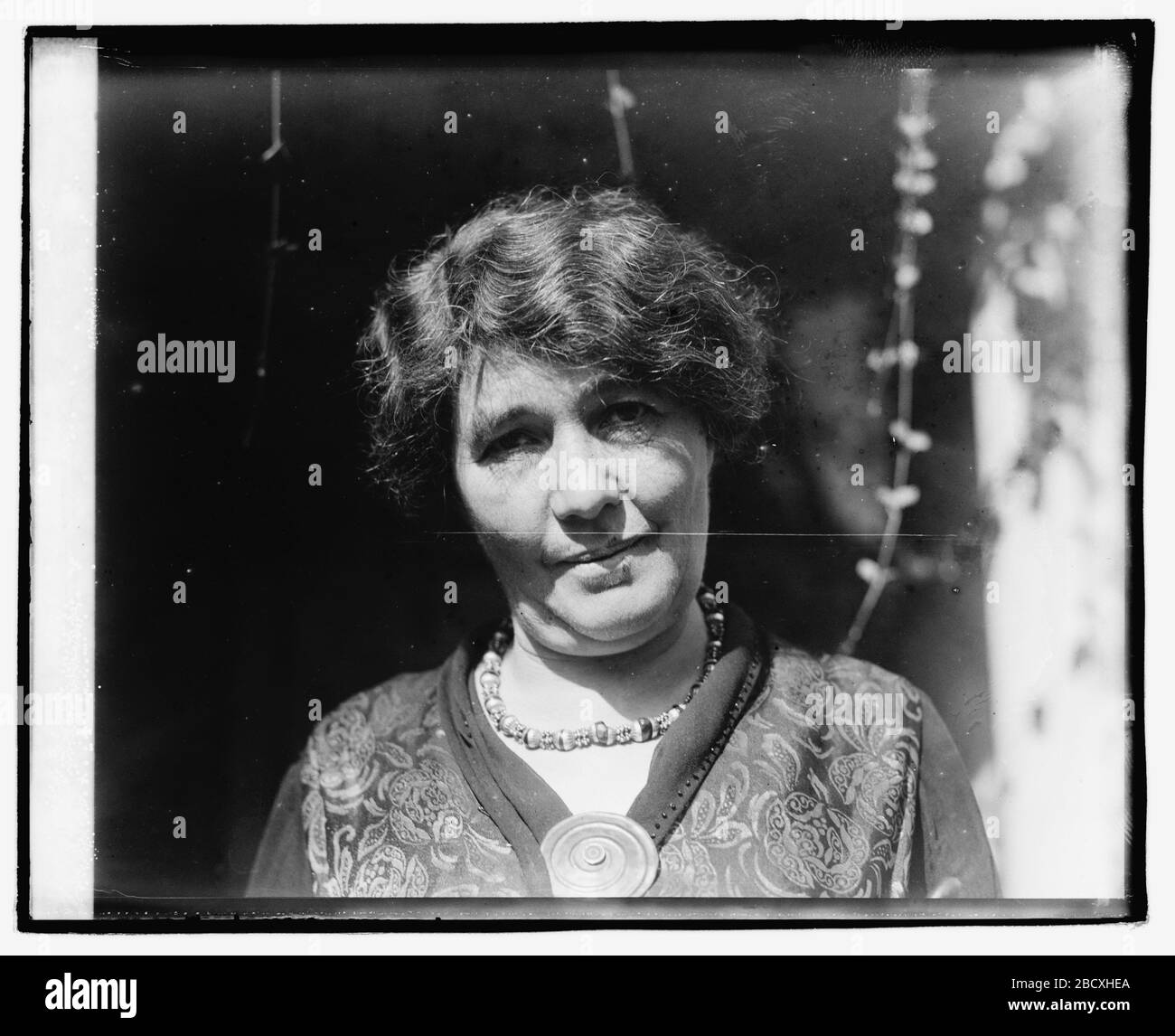 """""""English: Title: Alice Paul and Mrs. Pethick-Laurence Abstract/medium: 1 negative: glass; 4 x 5 in. or smaller; 1920; Library of Congress  Catalog: https://lccn.loc.gov/2016828995 Image download: https://cdn.loc.gov/service/pnp/npcc/02700/02761v.jpg Original url: https://www.loc.gov/pictures/item/2016828995/; National Photo Company Collection; """" Stock Photo"""