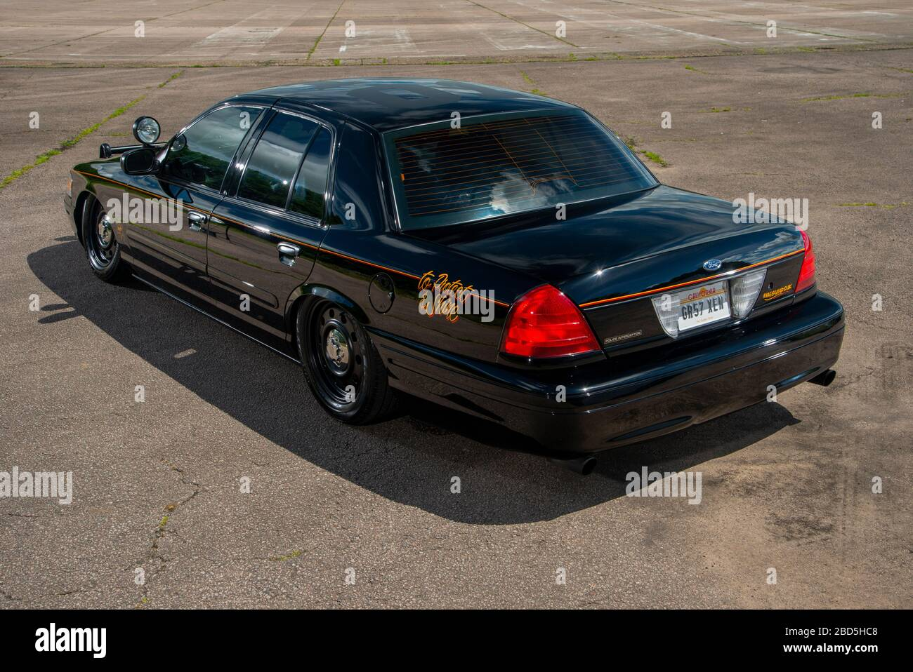 ford crown victoria police interceptor high resolution stock photography and images alamy https www alamy com 2007 ford crown victoria p71 american police car image352321320 html