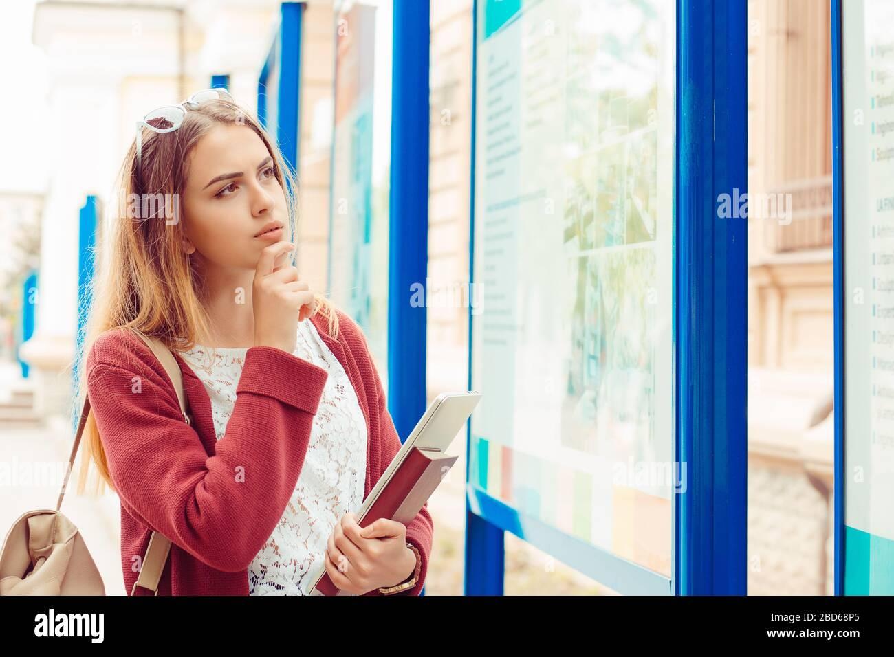 Девушка студентка работа онлайн кастинг модельное агентство