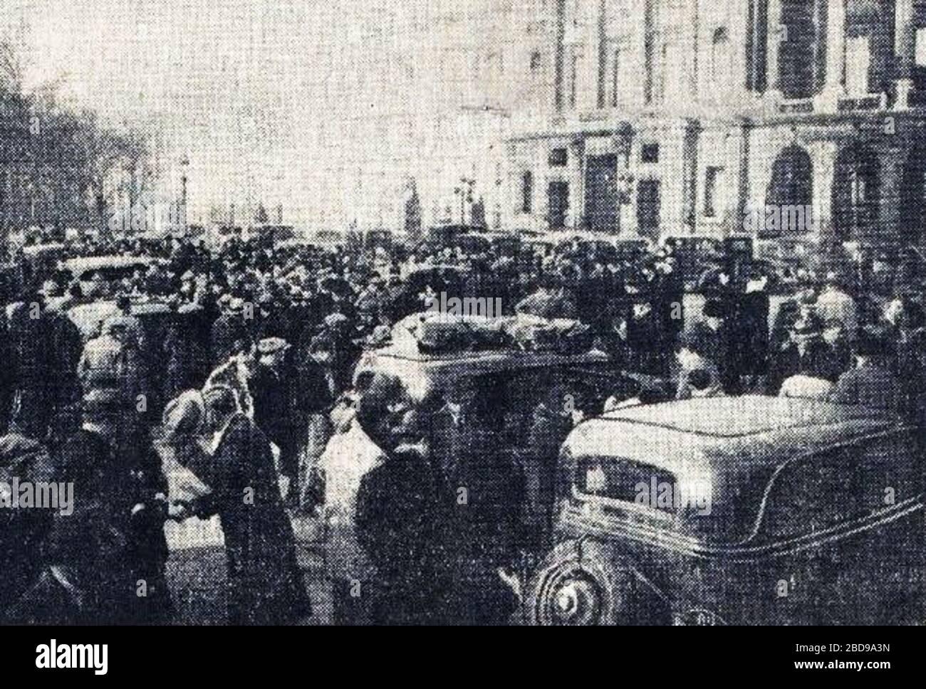 """""""Français: Rallye Monte Carlo 1934, départ de la place de la Concorde à Paris.; 16 October 2017; L'Auto-vélo, 24 janvier 1934; L'Auto-vélo; """" Stock Photo"""