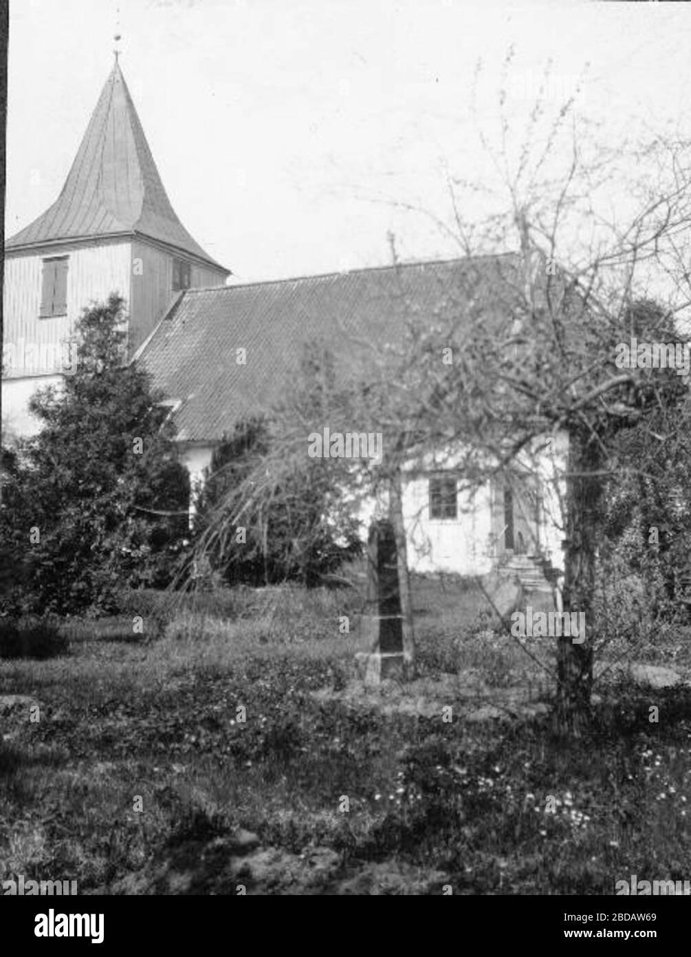 Ale-Skvde kyrka Lktarbarrir, med fyllning av mlningar p