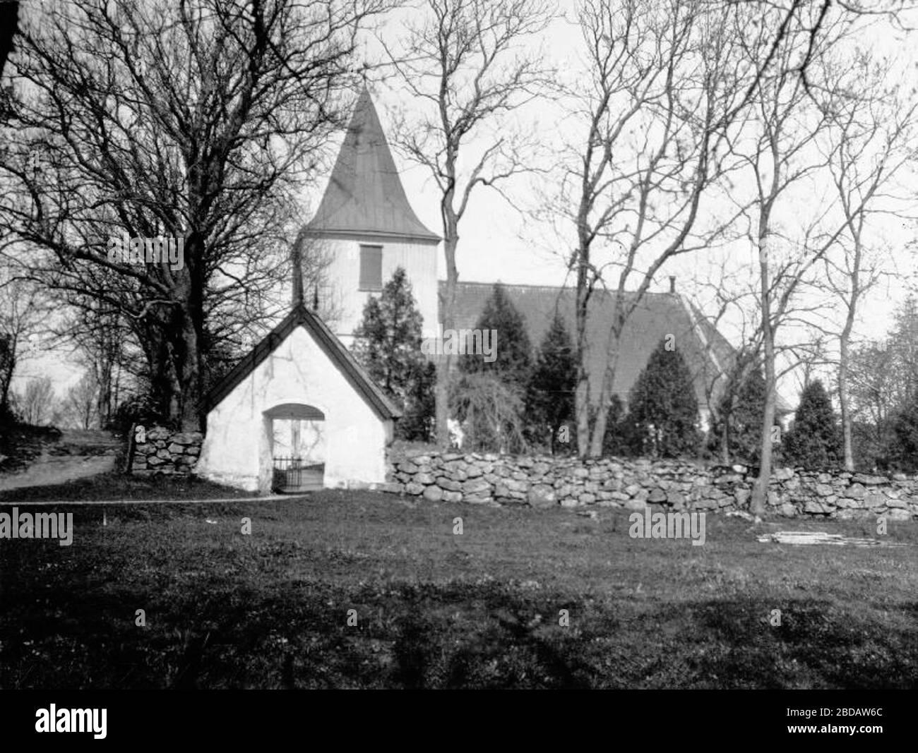 Ale-Skvde kyrka Interir mot koret. Ingngen till sakristian