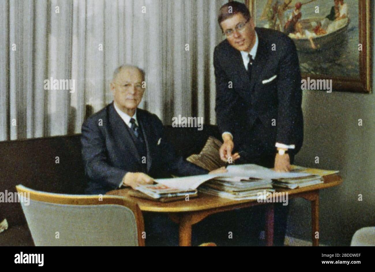 """""""Svenska: Bertil Gylling senior och junior på kontoret 1960-tal; 1960s date QS:P,+1960-00-00T00:00:00Z/8; Gylling & Co; ingen uppgift; """" Stock Photo"""