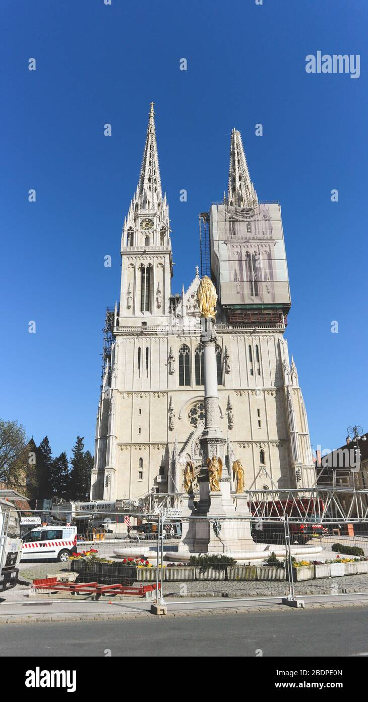 Zagreb Cathedral After Earthquake Damage Stock Photo Alamy