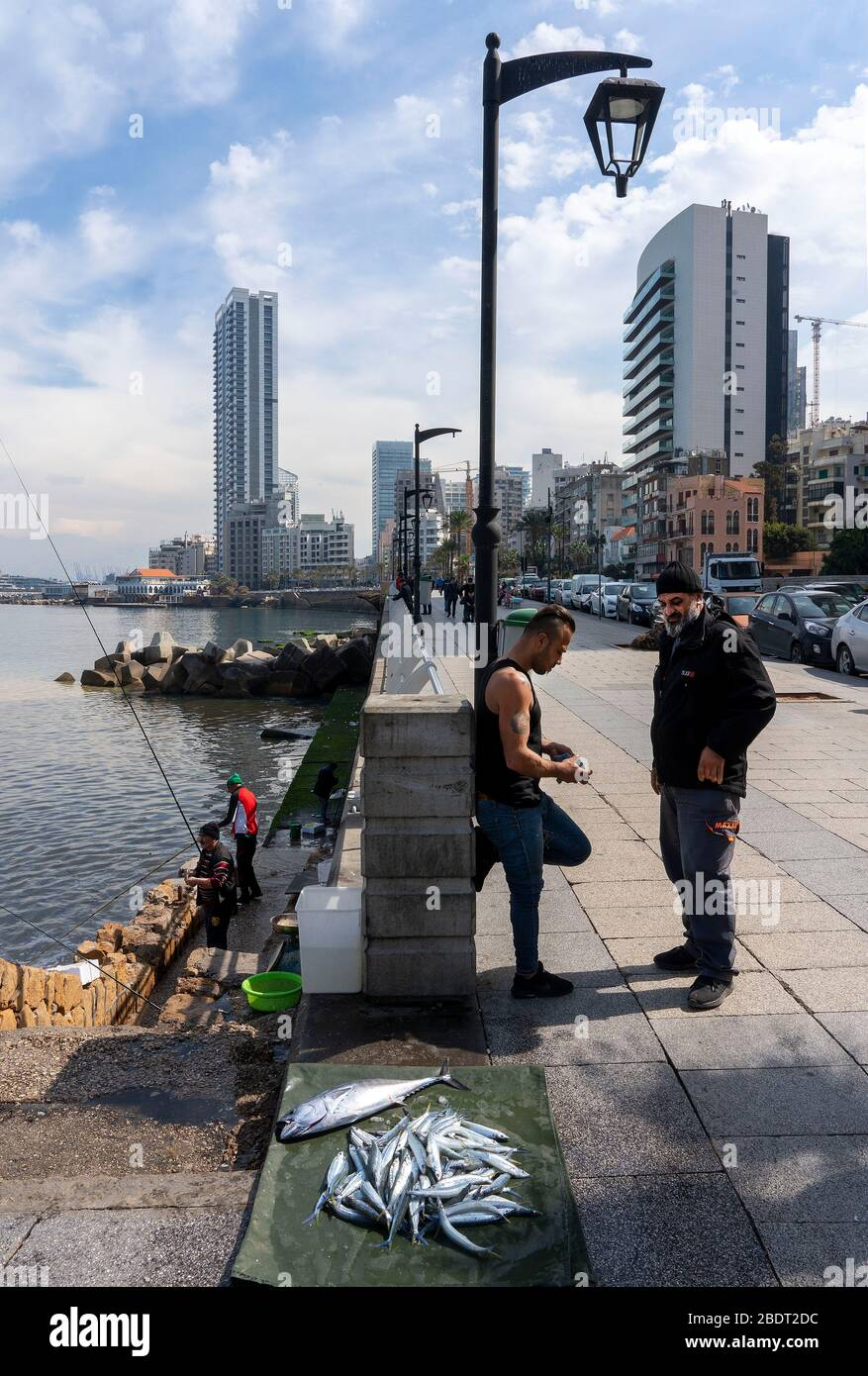 Corniche,Beirut: fishermen selling theur catch on Corniche Stock Photo