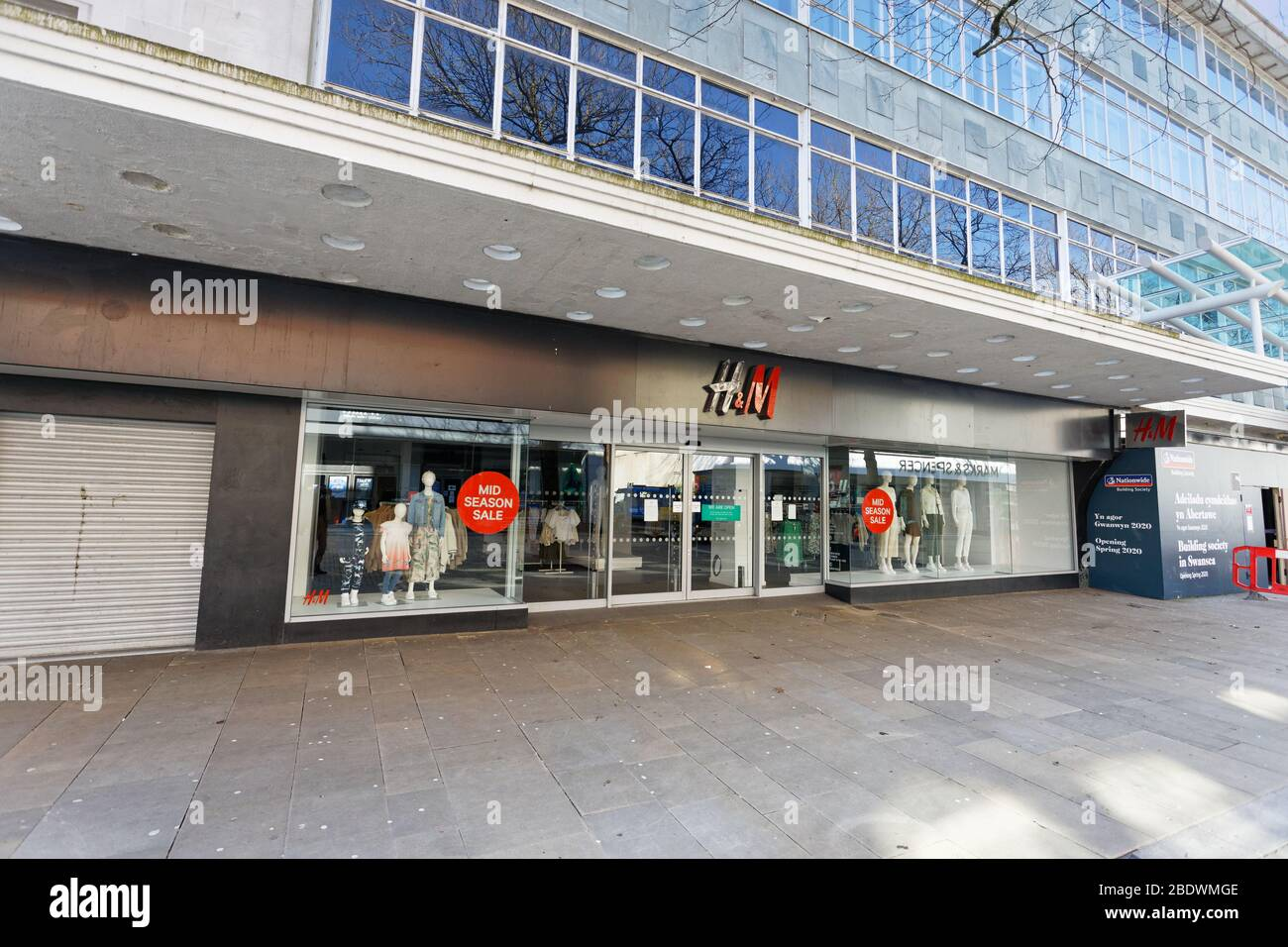 Page 2 H M Store High Resolution Stock Photography And Images Alamy