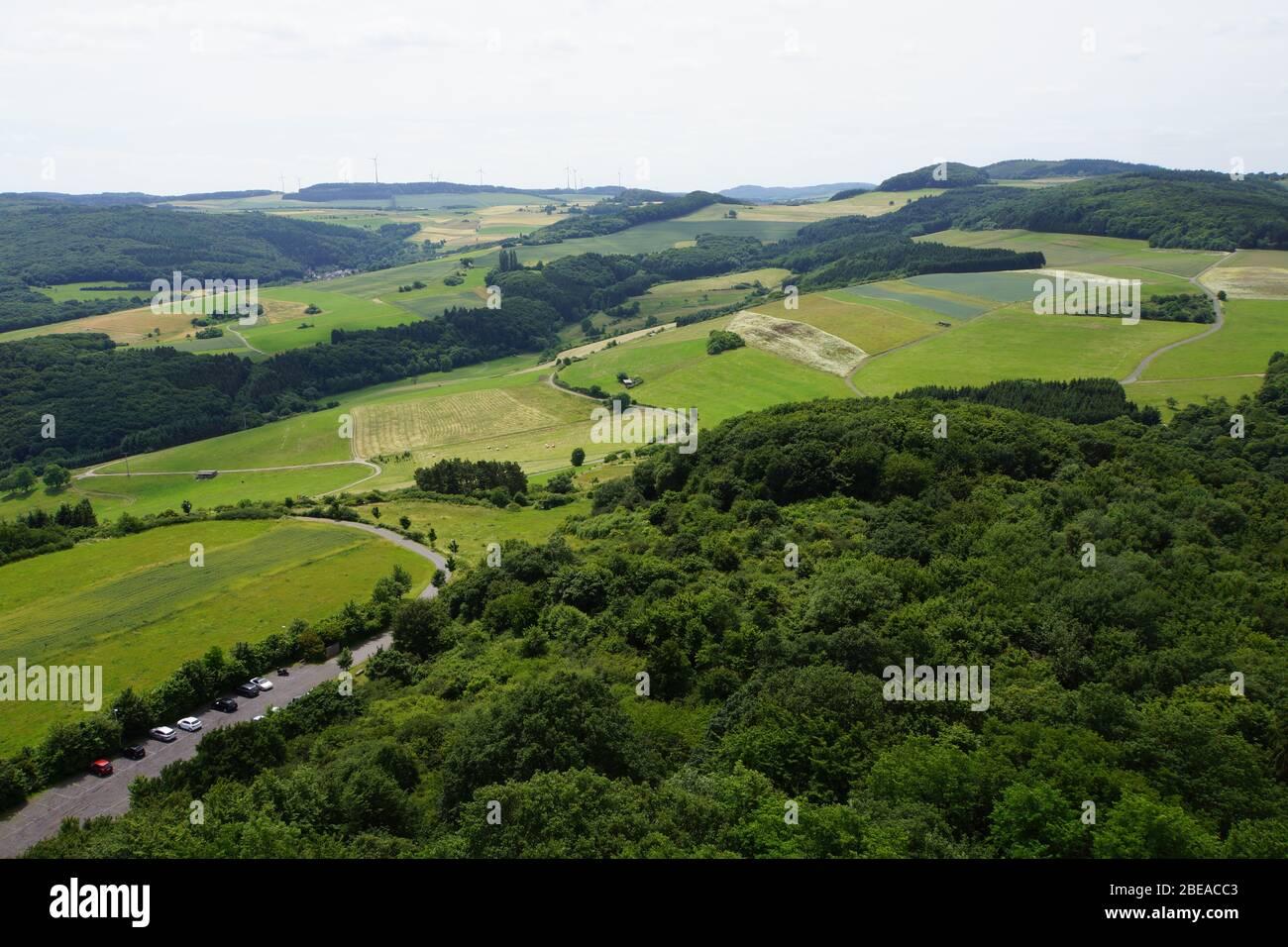 Blick vom Bergfried der Burgruine Olbrück, Niederdürenbach-Hain, Rheinland-Pfalz, Deutschland Stock Photo