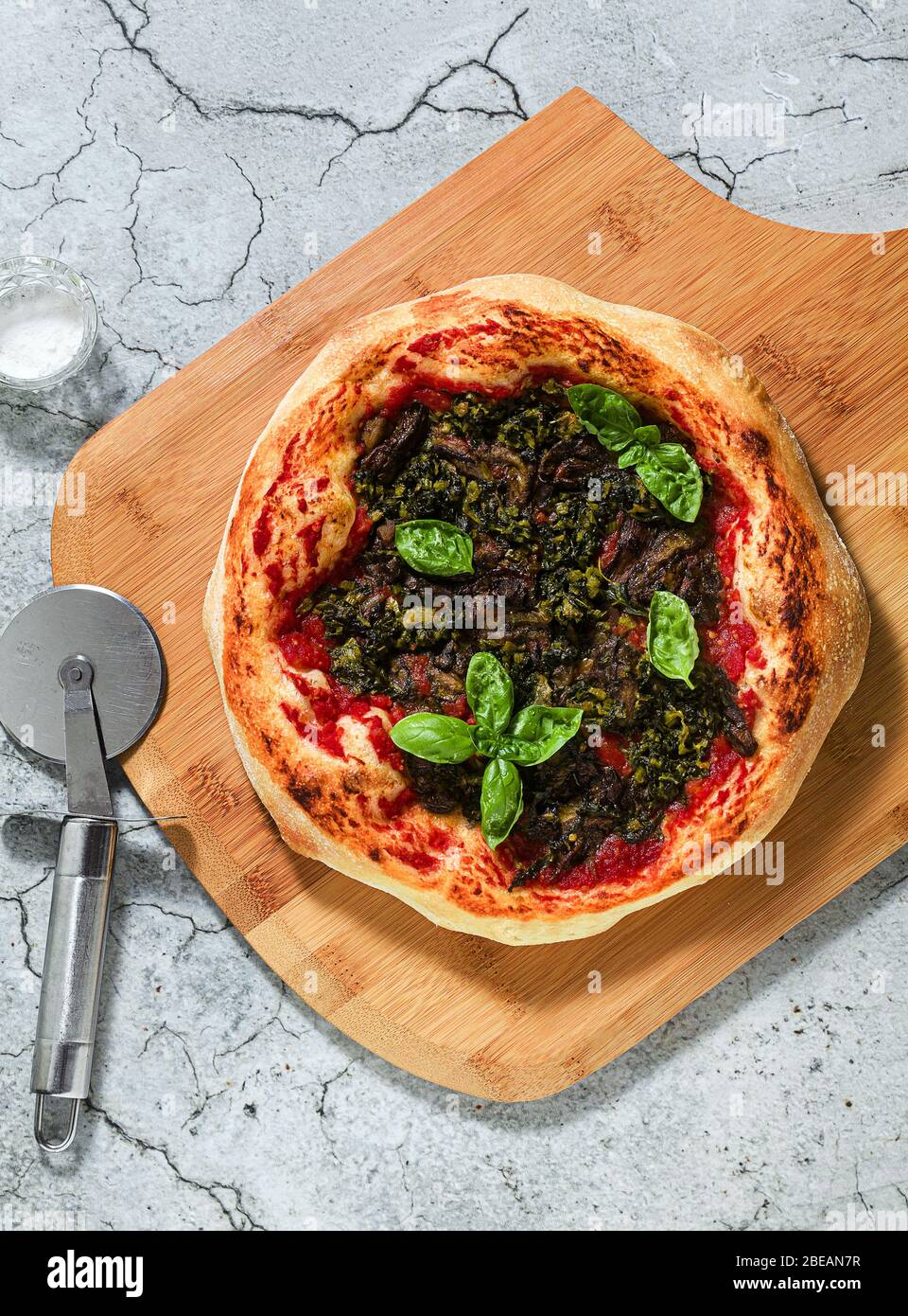 vegan italian pizza with green vegetables and basil without cheese. healthy eating Stock Photo